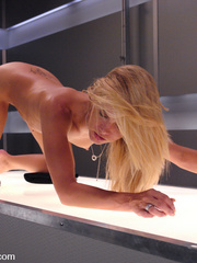 Fucking machines xxx. Hot blonde gets rammed - Unique Bondage - Pic 11