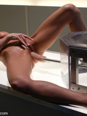 Sex machine porn. Sammie Rhodes natural DD - Unique Bondage - Pic 4