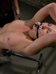Mechanical sex machine. Toned blond is - Unique Bondage - Pic 2