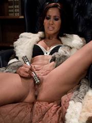 Fuckingmachines. Isis Love pussy fucked into - Unique Bondage - Pic 4
