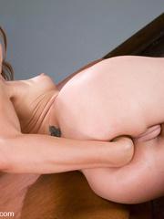 Fucking machines xxx. Amber Rayne gets - Unique Bondage - Pic 2