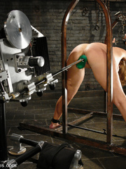 Fucking machines sex. Christina Carter gets - Unique Bondage - Pic 5