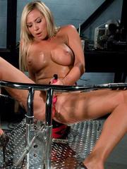 Sex machine sex. Blonde hottie never before - Unique Bondage - Pic 3
