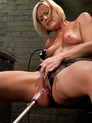 Fucking machine xxx. Sexy blond machine - Unique Bondage - Pic 3