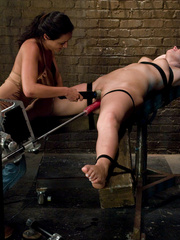 Sexmachine. Charley Chase and Hollie machine - Unique Bondage - Pic 1