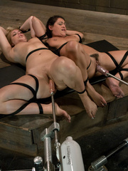 Sexmachine. Charley Chase and Hollie machine - Unique Bondage - Pic 7