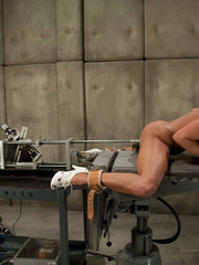 Sex machine. Blond babe fucked by sci-fi - Unique Bondage - Pic 12