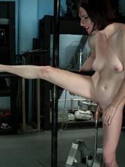 Fuckingmachines. Brand new girl machine - Unique Bondage - Pic 5