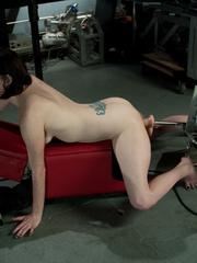 Fuckingmachines. Brand new girl machine - Unique Bondage - Pic 12