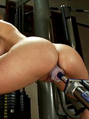 Mechanical sex machine. Jada's perfect ass - Unique Bondage - Pic 1
