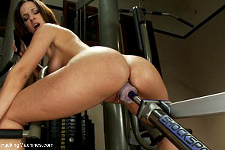 Mechanical sex machine. Jada's perfect ass - Unique Bondage - Pic 1