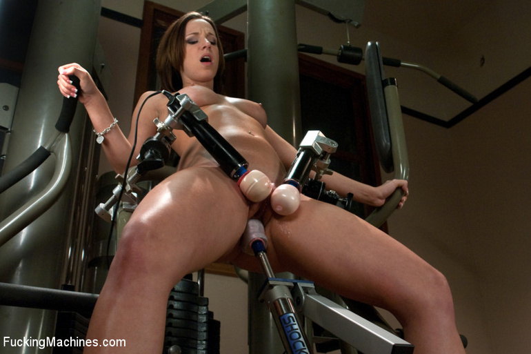 Mechanical sex machine. Jada's perfect ass - Unique Bondage - Pic 8
