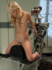Xxx fucking machines. 21yr old petite Blond - Unique Bondage - Pic 4