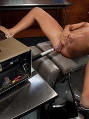 Sex machines porn. Amateur French Brazilian - Unique Bondage - Pic 12