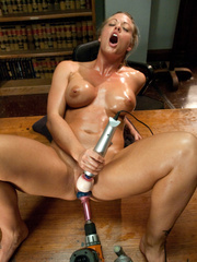Fucking machines xxx. Holly Heart is an - Unique Bondage - Pic 8