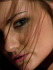 Fucking machine sex. Lily Carter stretches - Unique Bondage - Pic 1