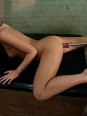 Fucking machine sex. Lily Carter stretches - Unique Bondage - Pic 6