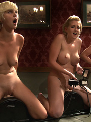 Sex machine orgasms. 3 amateur girl pussy - Unique Bondage - Pic 11