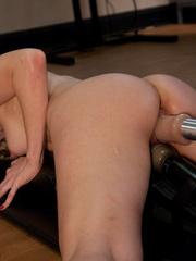 Extreme sex machines. Hot blond, Ashley - Unique Bondage - Pic 12