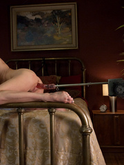 Sex machine porn. MILF SQUIRTER ALERT - - Unique Bondage - Pic 1