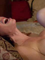 Sex machine porn. MILF SQUIRTER ALERT - - Unique Bondage - Pic 15