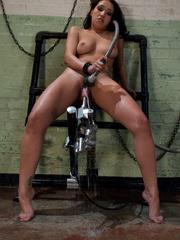 Women fucking machines. Amateur girl gets a - Unique Bondage - Pic 9