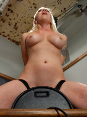 Fucking machine xxx. Lorelei Lee machine - Unique Bondage - Pic 5