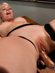 Fucking machine xxx. Lorelei Lee machine - Unique Bondage - Pic 12