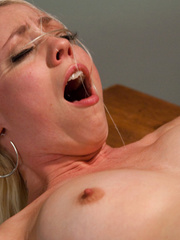 Fucking machine xxx. Lorelei Lee machine - Unique Bondage - Pic 14