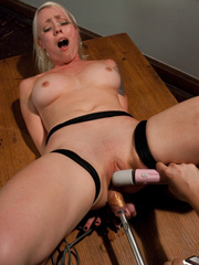 Fucking machine xxx. Lorelei Lee machine - Unique Bondage - Pic 15