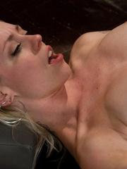 Fuckingmachines. Hot blond, tied wrist to - Unique Bondage - Pic 1