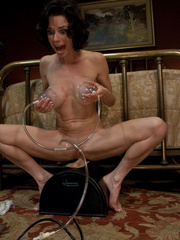 Extreme sex machines. Squirting MILF cums - Unique Bondage - Pic 11