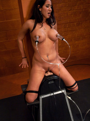 Fuck machines. Isis Love tied up to the - Unique Bondage - Pic 3
