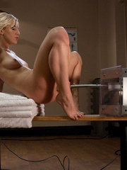 Sexmachine. Blonde babe with natural tits, - Unique Bondage - Pic 5