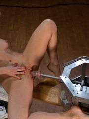 Sexmachine. Blonde babe with natural tits, - Unique Bondage - Pic 9