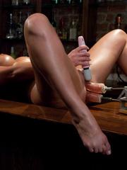 Sex machines. Phoenix Marie does a machine - Unique Bondage - Pic 4