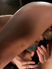 Love machine sex. Babe with 36FF tits - Unique Bondage - Pic 14