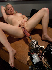 Sexmachines. Smoking hot blond double fucked - Unique Bondage - Pic 6