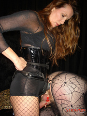 Femdom spanking. Strapon jane fucks Tgirls - Unique Bondage - Pic 11