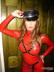Slave porn. Jane in full red pvc catsuit and - Unique Bondage - Pic 2