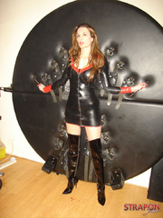 Strap sex. Jane in leather fuck me boots - Unique Bondage - Pic 2