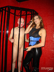 Femdom fetish. Jane lets her slave out of - Unique Bondage - Pic 2