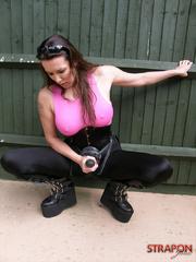 Slave xxx. Horny Strapon Jane shows off her - Unique Bondage - Pic 4