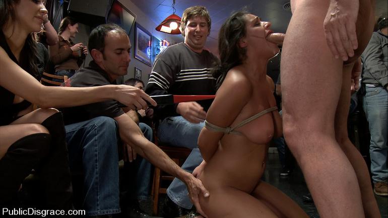 бесплатно в кинотеатре на публике порно обращаться помощью, всей