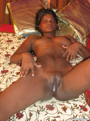 India nude. Indian babe doing it all. - XXX Dessert - Picture 14