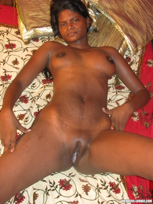 India nude. Indian babe doing it all. - XXX Dessert - Picture 18