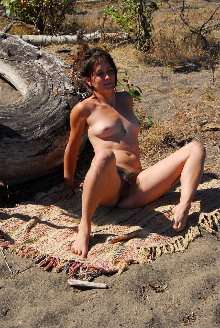 Penelope pine hip swinging tree