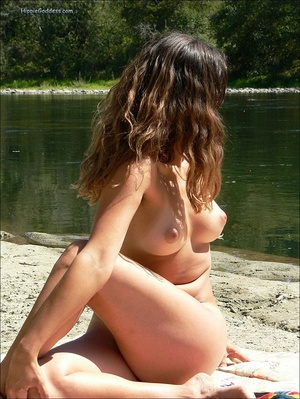 Erotik xxx. Beautiful young, brunette gi - Picture 9