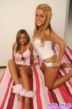Sister Hot teen porn twin
