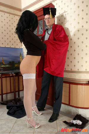 Old men young ladies. Nasty girl makes u - XXX Dessert - Picture 9